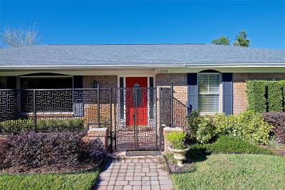 Grove Park Single Family Home For Sale: 1208 Jamaica Rd W