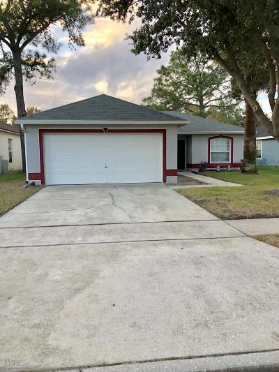 Duval County Single Family Home For Sale: 1682 Hudderfield Cir W