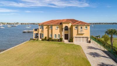 Single Family Home For Sale: 1 Bonita Bay Dr