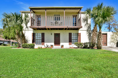 Duval County Single Family Home For Sale: The Woods Dr E