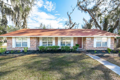 Single Family Home For Sale: 2986 Hollybay Rd