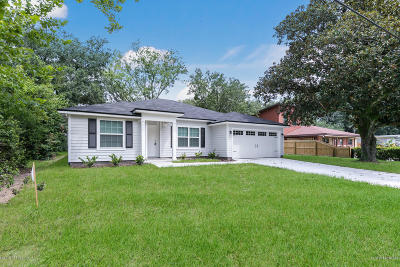 Jacksonville Single Family Home For Sale: 7420 Birdies Rd