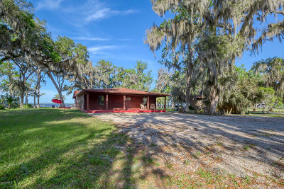 Green Cove Springs Single Family Home For Sale: 102 River Shores Rd