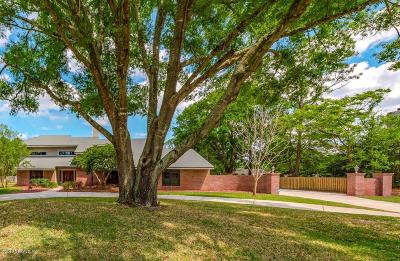 Jacksonville Single Family Home For Sale: 8117 Woodpecker Trl