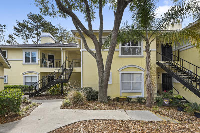 Jacksonville Beach Condo For Sale: 1800 The Greens Way #1204