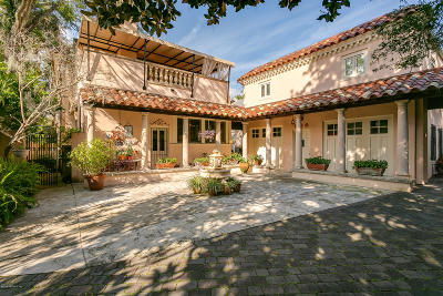 Single Family Home For Sale: 35 Valencia St