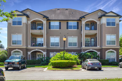 Jacksonville Condo For Sale: 10961 Burnt Mill Rd #237