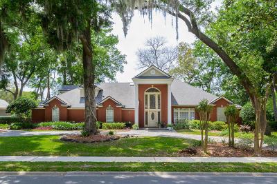 Jacksonville Single Family Home For Sale: 812 Queens Harbor Blvd