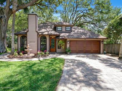 Atlantic Beach Single Family Home For Sale: 395 Poinsettia Ct