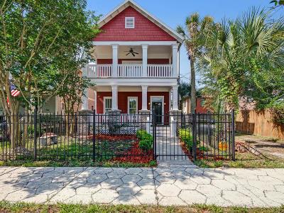 Jacksonville Single Family Home For Sale: 122 E 9th St