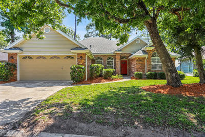 Jacksonville Beach Single Family Home For Sale: 1663 Blue Heron Ln