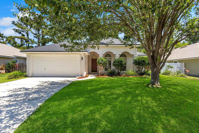 Jacksonville Single Family Home For Sale: 1779 Tall Tree Dr E