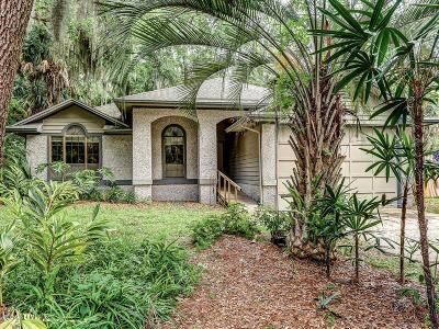 Fernandina Beach Single Family Home For Sale: 96220 Piney Island Dr