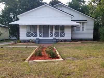 Jacksonville Single Family Home For Sale: 525 W 66th St