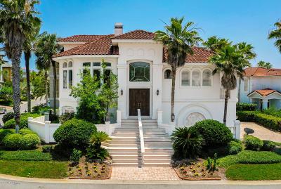 Single Family Home For Sale: 2220 Alicia Ln