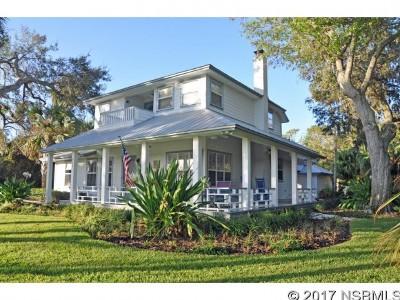 New Smyrna Beach Single Family Home For Sale: 602 Riverside Dr