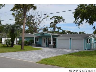 New Smyrna Beach Single Family Home For Sale: 210 Ocean Ave