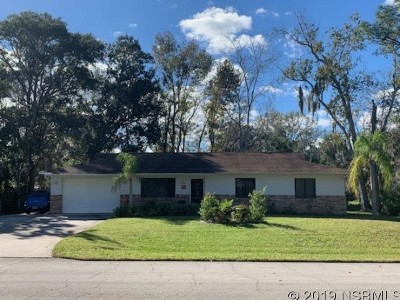 Edgewater Single Family Home For Sale: 2704 Woodland Dr