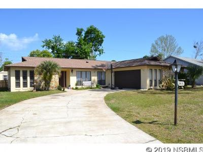 Edgewater Single Family Home For Sale: 2409 Yule Tree Dr