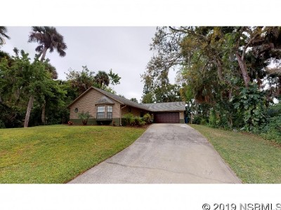 Edgewater Single Family Home For Sale: 152 Cory Dr