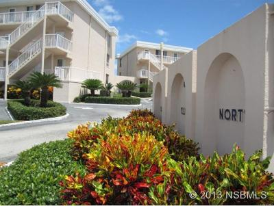 New Smyrna Beach Condo/Townhouse For Sale: 4821 Saxon Drive #A202