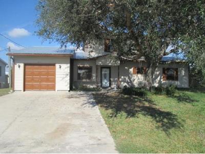 Okeechobee County Single Family Home For Sale: 2011 SE 33rd Street