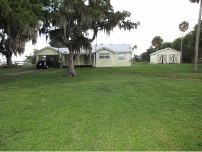 Okeechobee County Single Family Home For Sale: 7525 Hwy 441, SE