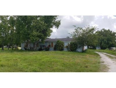 Okeechobee County Single Family Home For Sale: 3806 SW 16th Ave