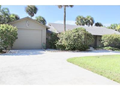 Okeechobee County Single Family Home For Sale: 7864 Hwy 441 SE