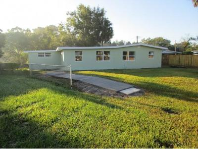 Okeechobee County Single Family Home For Sale: 824 SE 4th Street