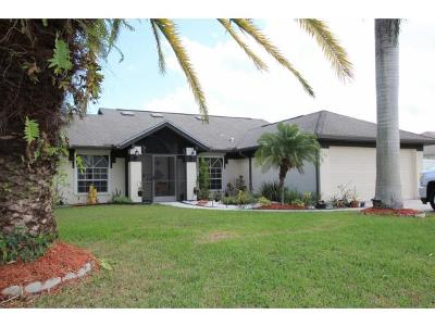 St. Lucie County Single Family Home For Sale: 1649 SE Ridgewood Street