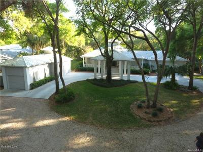 Single Family Home For Sale: 20 Captains Cove Road