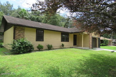 Ocala Single Family Home For Sale: 20 Almond Way