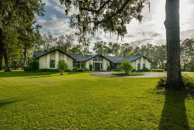 Ocala Single Family Home For Sale: 820 NE 120th Place