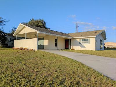 Ocala Single Family Home For Sale: 18 Bahia Loop