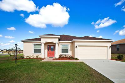 Meadow Glenn Single Family Home For Sale: 9859 SW 54th Avenue