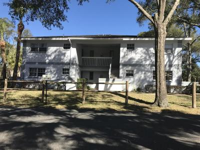 Ocala Condo/Townhouse For Sale: 580 Fairways Lane #G103