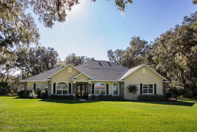 Ocala Single Family Home For Sale: 420 SE 82nd Place