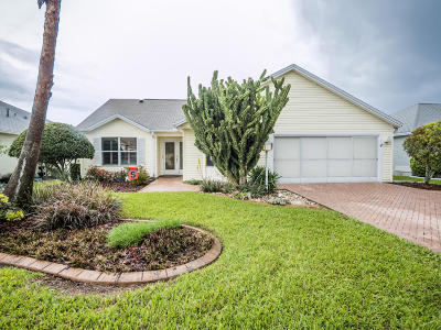 The Villages Single Family Home For Sale: 858 Oak Forest Drive