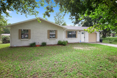 Belleview Single Family Home Pending-Continue to Show: 10620 SE 53rd Avenue