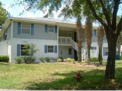 Ocala Condo/Townhouse For Sale: 8206 Fairways Circle Circle #B204