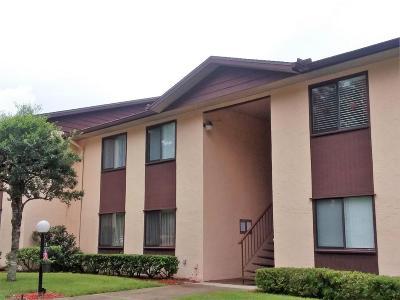 Ocala Condo/Townhouse For Sale: 513 Fairways Lane #A