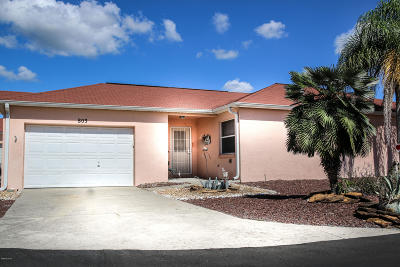Lady Lake Condo/Townhouse For Sale: 803 Las Cruces Court