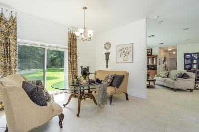 Archer FL Single Family Home For Sale: $599,000