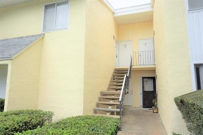 Ocala Condo/Townhouse For Sale: 592 Bahia Circle #B