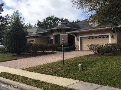 Lady Lake Single Family Home For Sale: 5310 Grove Manor