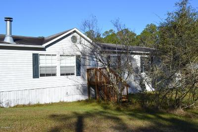 Silver Springs Single Family Home For Sale: 5588 NE 139th Court