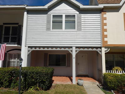 On Top Of The World Single Family Home For Sale: 8830 SW 98th Place #J