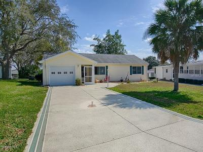 The Villages Single Family Home For Sale: 1527 Doral Circle