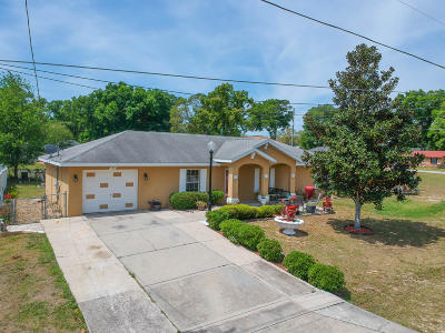 Marion County Single Family Home For Sale: 10 Almond Course